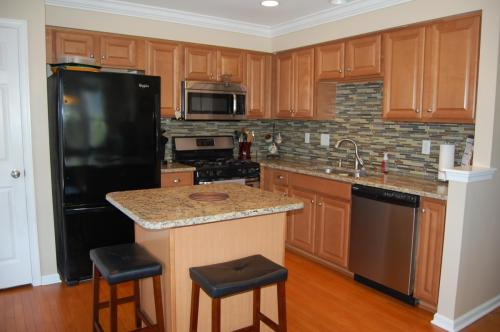 2401 Orchard View Road Photo 1