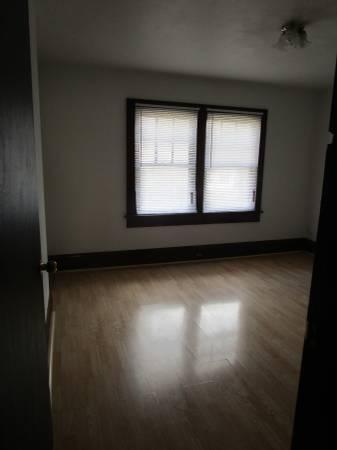 893 Gilbert Street Photo 1