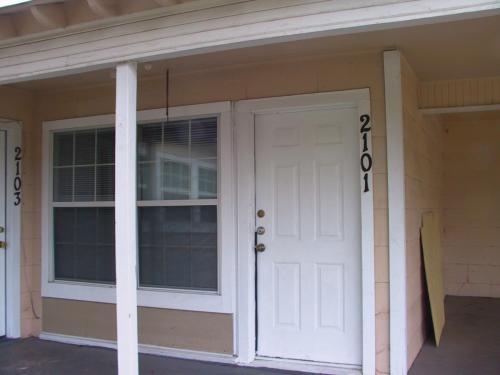 2101 Elkins Place Photo 1