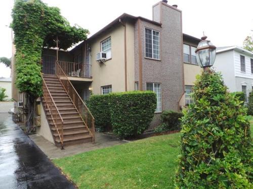 11247 Camarillo Street Photo 1