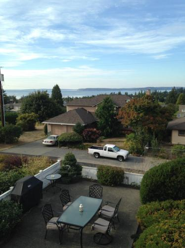 1042 Edmonds Street Photo 1