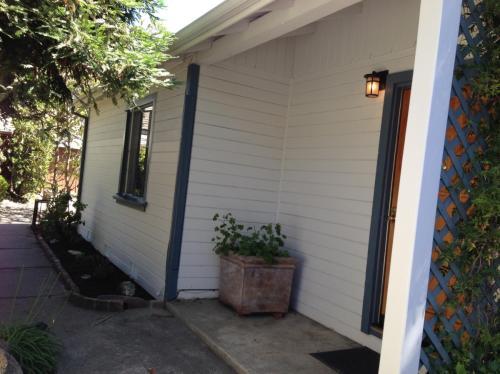 3644 Chestnut Street #C Photo 1