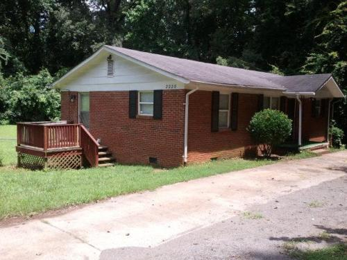 2228 Kennesaw Drive Photo 1