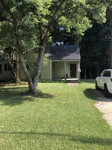 1142 Lakeview Drive Photo 1