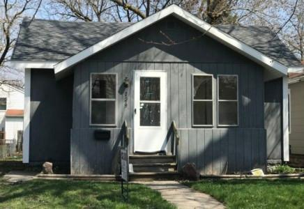 2219 Forest Avenue Photo 1