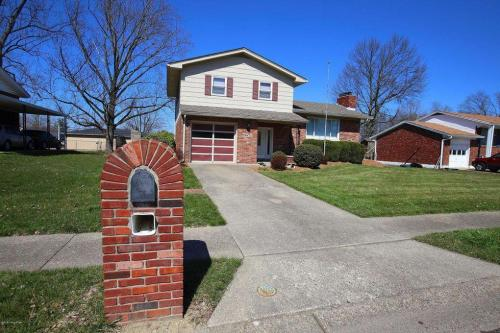 755 Parkwood Drive Photo 1