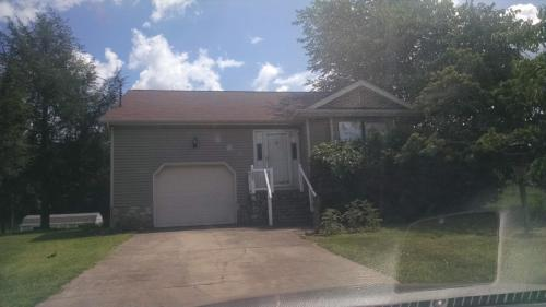 108 Summerview Court Photo 1