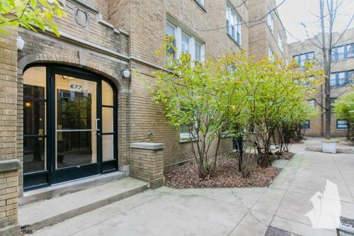 6795 W Wrightwood Avenue Photo 1