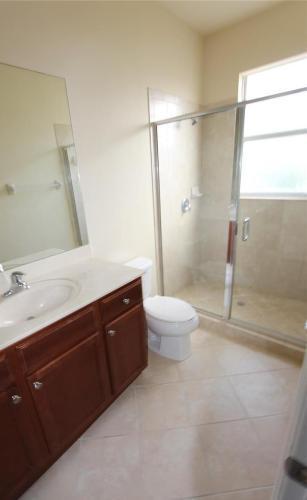 831 SW 104th Avenue Photo 1
