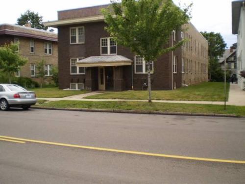 1439 Grand Avenue Photo 1