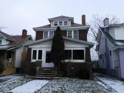632 Algonquin Street Photo 1