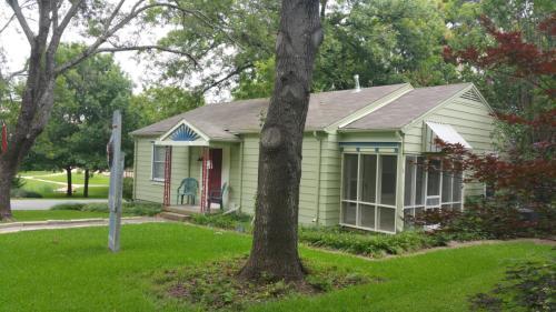 9548 Peninsula Drive Photo 1