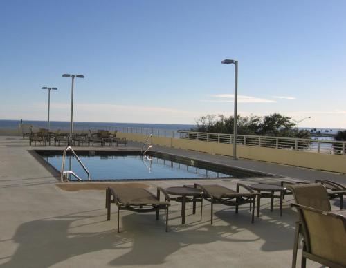 2060 Beach Boulevard Photo 1