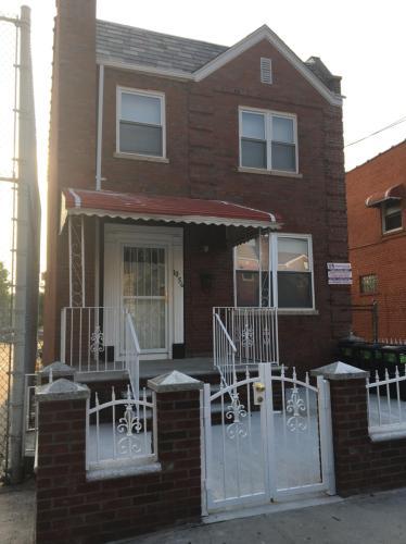 1056 Stratford Avenue Photo 1