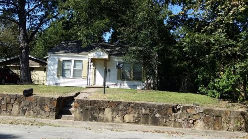 307 Soward Avenue Photo 1