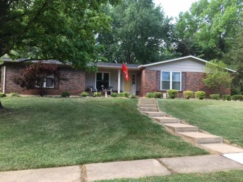 122 Caybeth Drive Photo 1