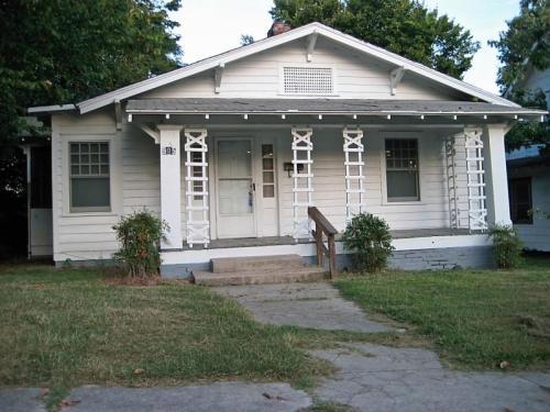 905 Caldwell Street Photo 1