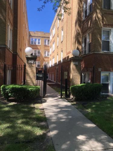 1422 W Hutchinson Street #2 Photo 1