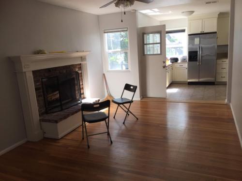 4050 Marian Street Photo 1