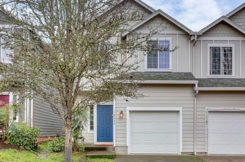 13050 SW Brianne Way Photo 1