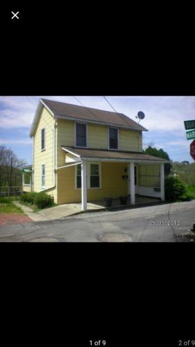 190 Quaker Avenue Photo 1