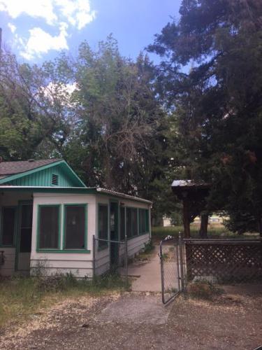 695 Parkinson Street Photo 1