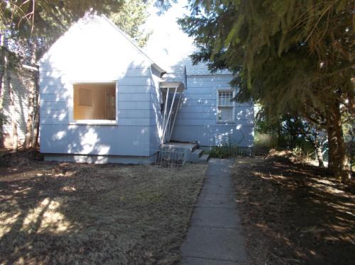 519 Woodford Street Photo 1