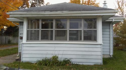915 Forest Avenue Photo 1