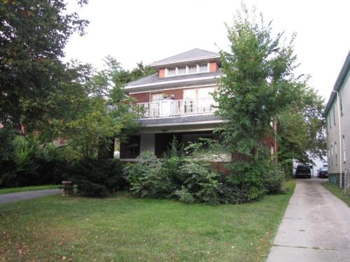 405 Parkside Avenue Photo 1