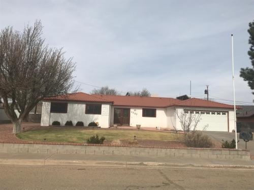 1737 Encino Avenue Photo 1