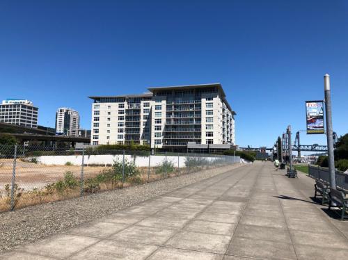 1515 Dock Street Photo 1