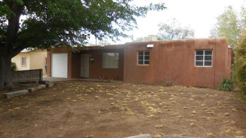 6005 La Corrida Road NE Photo 1