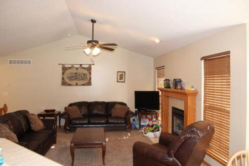 8149 E Old Mill Court Photo 1