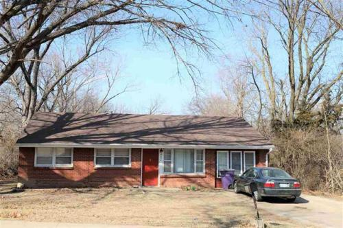 2034 College Heights Road Photo 1