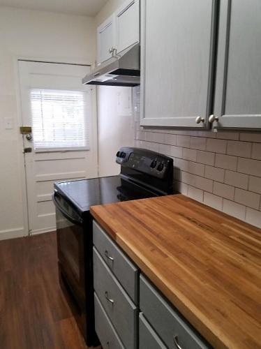 326 E Rosewood Avenue #6 Photo 1
