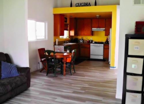 735 Loma Avenue Photo 1