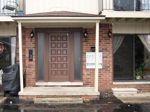 1280 Dewey Street #2 Photo 1