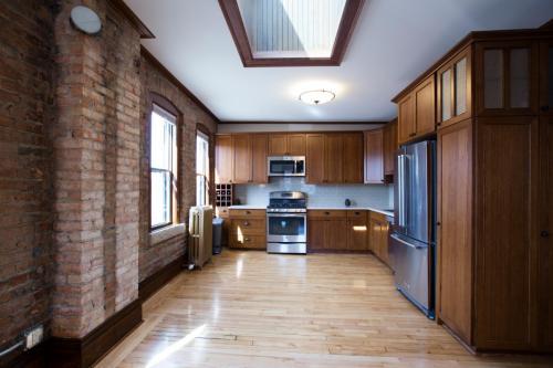 2222 Central Avenue NE Photo 1