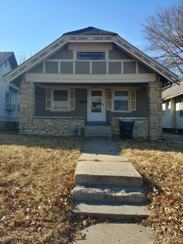 5634 Lydia Avenue Photo 1
