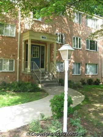 10423 Montrose Avenue Photo 1