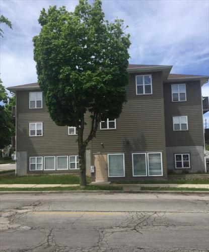 3875 S Clement Avenue Photo 1