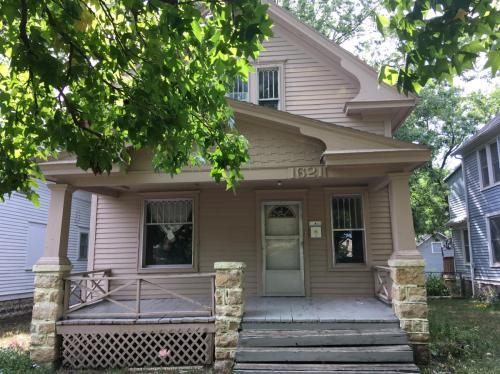 1621 SW Western Avenue Photo 1