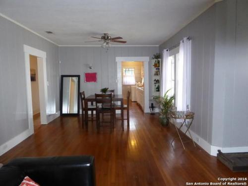 422 E French Place Photo 1