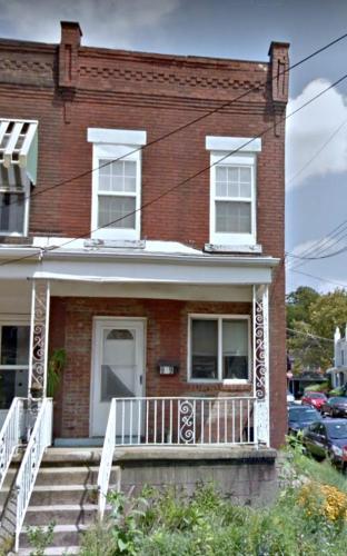 919 Greenfield Avenue Photo 1