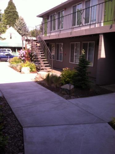 1301 SE Miller Street Photo 1