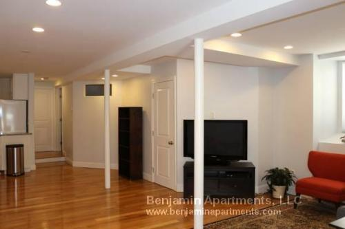 85 Rockview Street Photo 1