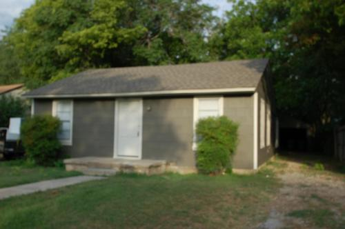 5008 Royal Drive Photo 1