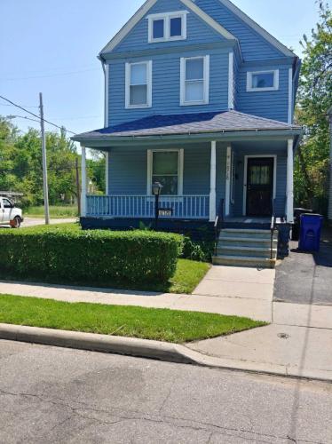 10720 Hampden Avenue Photo 1