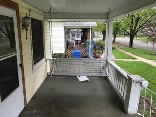 212 Oakwood Avenue Photo 1