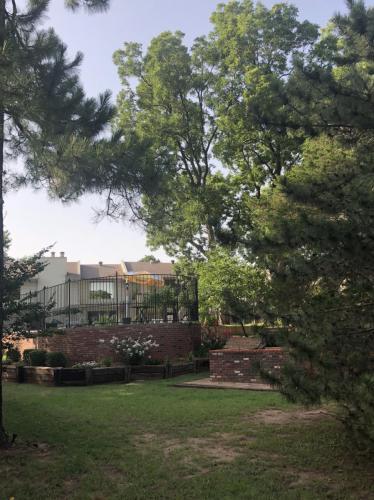 802 Cardinal Creek Boulevard Photo 1
